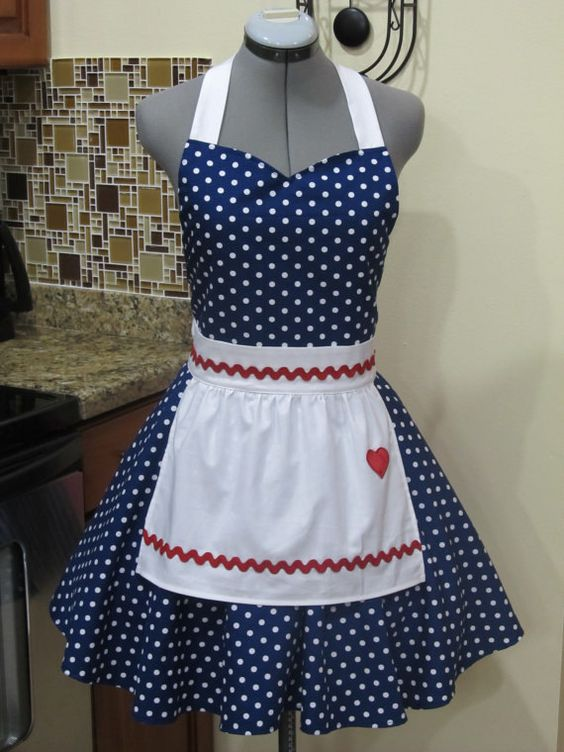 I Love Lucy Apron Vintage Inspired Sweetheart by ApronsByVittoria, $45.00