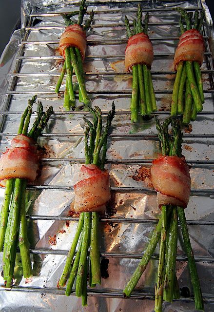 ♥Bacon Wrapped Asparagus Spears! Yum!