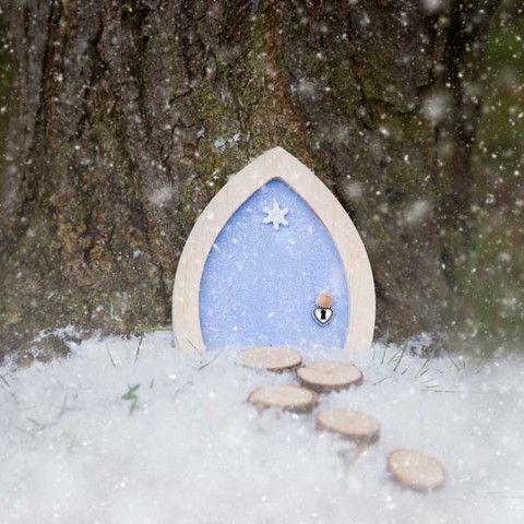 My Own Fairy Door Blue Sparkly Snowflake - Dandy Lions Boutique #sparkly #fairies #fairydoors #frozen