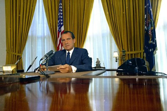 President Richard Nixon In The Oval Office Onarchs