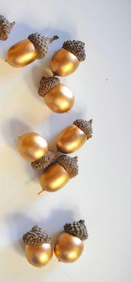 Deze moet ik onthouden voor de kerstdagen, kwestie van dat potje goudverf eindelijk eens te gebruiken