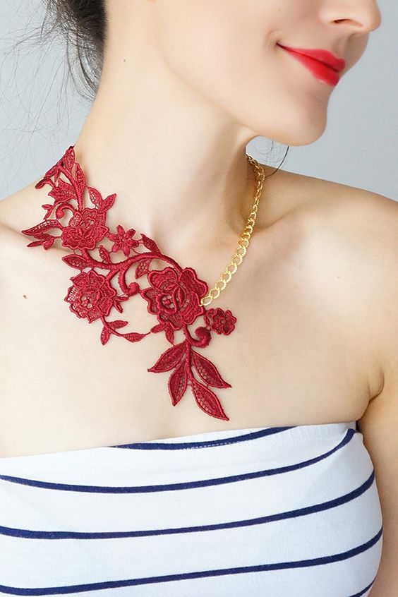Lasata // Burgundy Red Necklace/ Lace Necklace/ Statement Necklace/ Lace Fashion/ Floral Necklace/ Going Out Jewelry