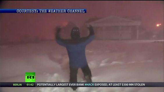 #Crazy Alert! A Strange Reaction to Thunder Snow!