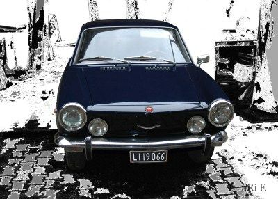 Fiat 850 Coupé in black & white (Originalfoto)