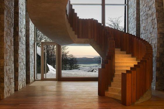O projeto arquitônico segue o estilo minimalista com estrutura em cobre (Foto: Divulgação)