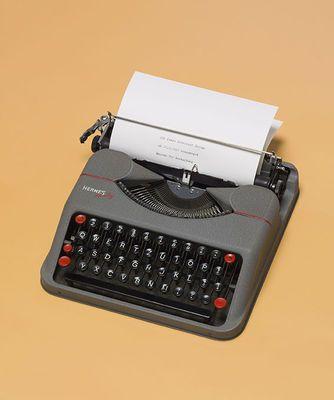 100 Jahre Schweizer Design - Paillard S.A. Schreibmaschine Hermes Baby, 1938, Museum für Gestaltung Zürich, Designsammlung, Foto: U. Romito, © ZHdK