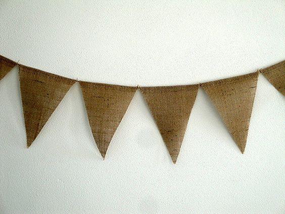 Burlap banner...  De arpillera...