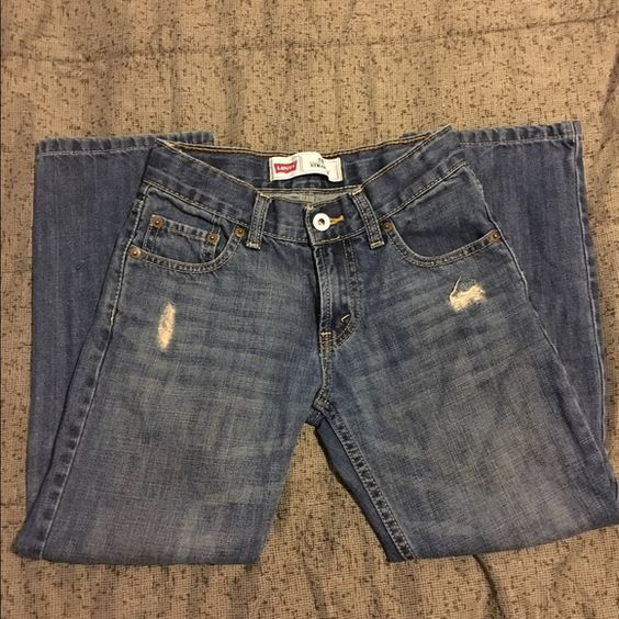 Boys Levis Jeans size 8 Boys Denim Distressed Jeans in good condition Jeans Straight Leg