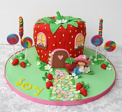 Cute Birthday Cake  --  OMG!  I HAD A NIGHTLIGHT EXACTLY LIKE THIS WHEN I WAS LITTLE!  <3