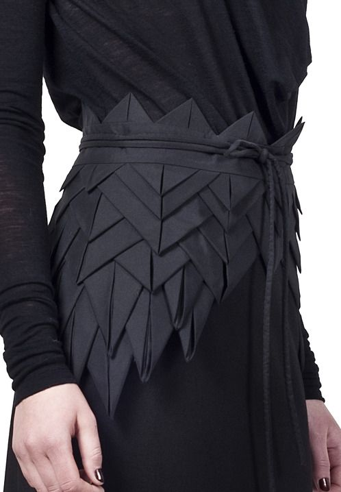 Origami Fashion - asymmetric origami belt with structural fabric manipulation to create layers, folds & repetition for a decorative effect; creative sewing // Freak Factory