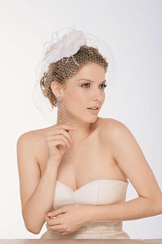 Noiva - Sugestões de cabelos e maquiagem para casamentos de dia e à noite  manequim.abril.com.br