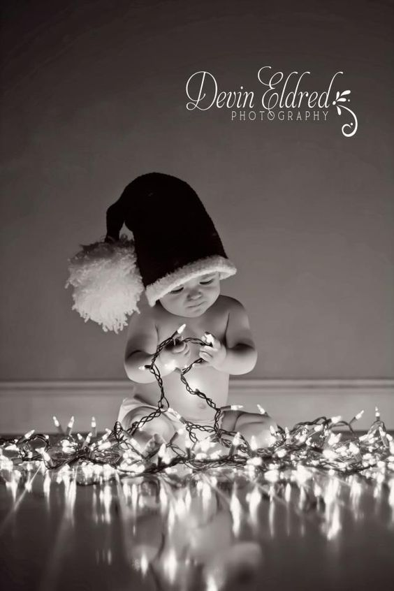 Love this, think I might actually send Christmas cards if I had a picture like this lol