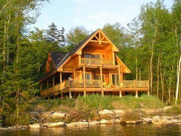 Log frame houses
