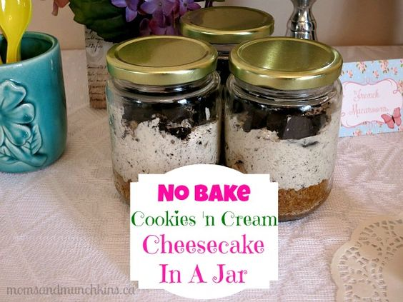 No Bake Cookies 'n Cream Mini Cheesecakes In a Jar #Recipe