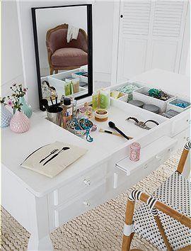 schminktisch arbeitstisch gro er luxus ein schminktisch wie aus alten zeiten viel stauraum. Black Bedroom Furniture Sets. Home Design Ideas