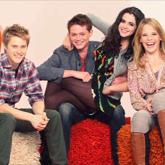 Group photo of Bay, Emmett, Daphne and Toby