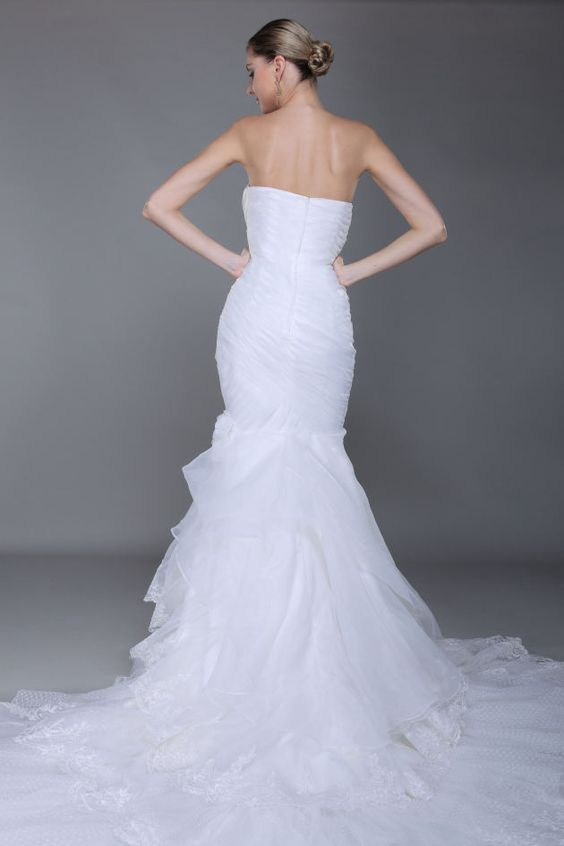 Model 0113946 wedding dress