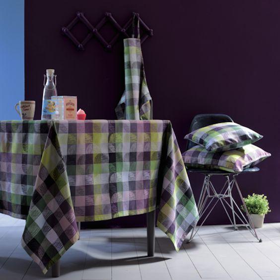 Garnier Thiebaut - Mille Trames Monceau   Sie geben Ihre Tischmaße ein und unser Tischdeckenkonfigurator berechnet Ihre persönliche Tischdecke.   Wählen Sie aus herrlichen Stoffen Ihren Favoriten. Nichts Passendes gefunden?   Rufen Sie uns an unter Tel. (0281) 24173 und wir machen es passend! Sie sind sich in der Farbwahl nicht sicher?   Gerne senden wir Ihnen Stoffmuster zu