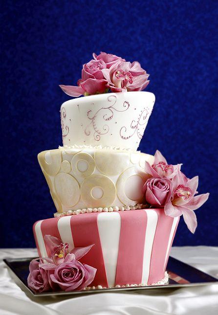 unbalanced cake. oh my goodness that's soooo cute!!!!