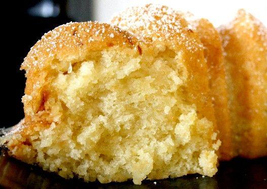 Delicious looking lemon poundcake, the original recipes says it's better than Starbucks Lemon Loaf.