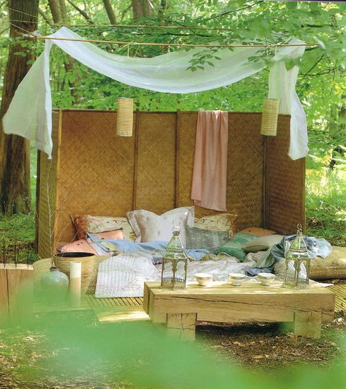 Glamping' For Fashionistas! Luxurious Campsite With Pallet Floor