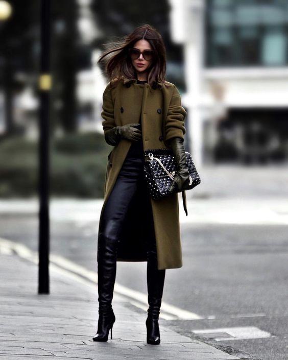 С чем носить черные джинсы осенью: 15 стильных вариантов