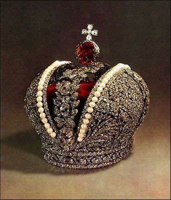 Russian Imperial Crown, made for coronation of Catherine the Great in 1762. The crown has 5000 diamonds, hundreds of pearls & a 415 carat ruby.