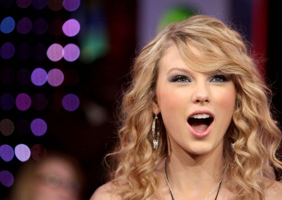 Singer Taylor Swift appears on MTV's 'TRL' on February 27 2008 at MTV Studios in Times Square New York City