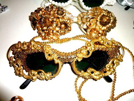http://malecritique.com/2014/03/14/the-ladies-of-mercura-nyc/ Malecritique March 2014 talks Mercura Eyewear THE LADIES OF MERCURA NYC! March 14, 2014 · by MaleCritique · in Behind The Scenes, Designer Files, editorial, Fashion, Product Reports, RashadBenton, Womenswear. ·