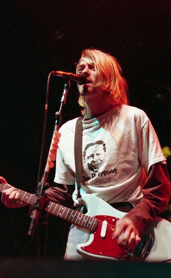 Kurt Cobain at Salem Armory Auditorium, Salem, OR, US.  December 14th, 1993