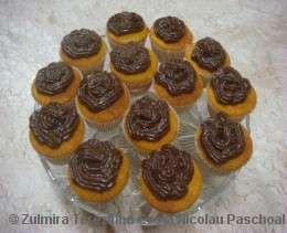 Cupcake de cenoura com cobertura de brigadeiro
