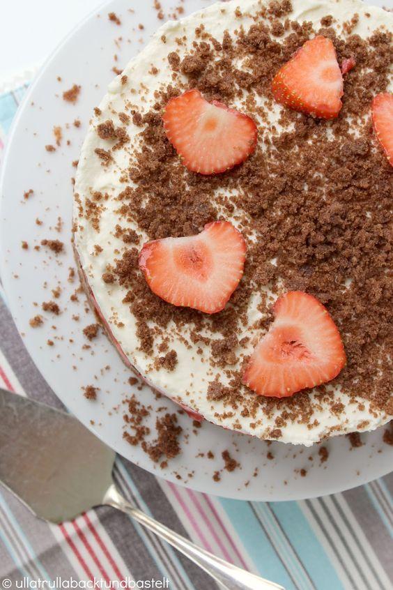 ullatrulla backt und bastelt: Ich liebe Erdbeeren! | Rezept für eine kleine Torte