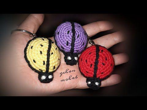 طريقة عمل ميدالية كروشيه على شكل مجسم الدعسوقة Youtube Crochet Earrings Crochet Youtube Videos