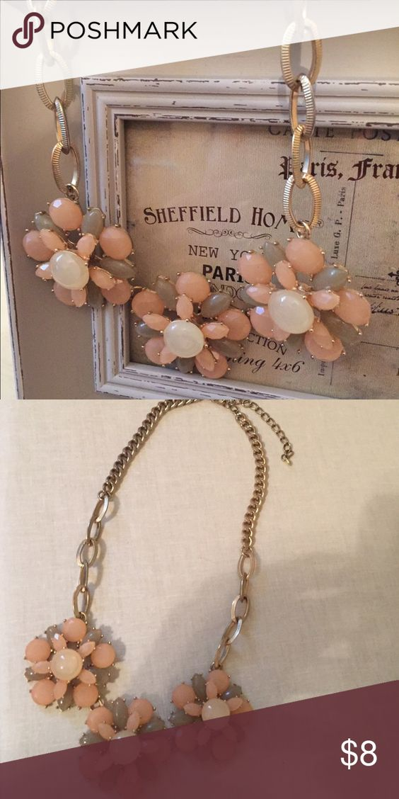 Statement Necklace Stunning peach and beige color.  I bought this necklace at Francesca's and wore it several times, a favorite. The length is 21.5 inches. I welcome any questions.  If you like to see additional pics, LMK. Jewelry Necklaces