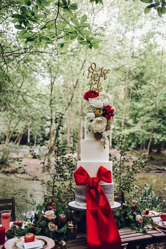 The Snow White Wedding Theme
