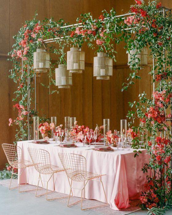 Brighten Day Lights Unique Wedding We Ve Got A One Track Mind Today Our Subject Of Fixation Hochzeit Beleuchtung Hochzeitsdeko Hochzeit Tisch Ideen