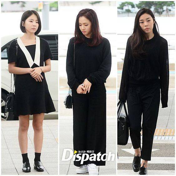 Ladies'Code vistas no aeroporto de Incheon embarcando para o Japão, elas irão participar do memorial em homenagem a Rise e EunB no dia 22 de agosto.