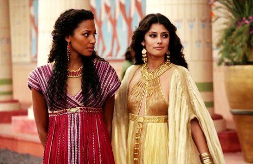 Kylie Bunbury & Sibylla Deen in 'Tut' (2015).