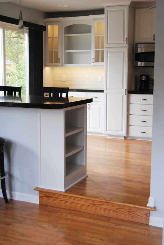 Swan Creek Cabinet Company brings your vision to reality in the kitchen, and every room of your home. Assisting clients for over 25 years.