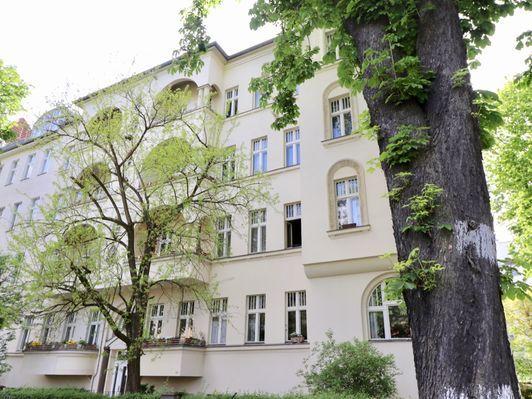 Zentral In Friedenau Erdgeschoss Im Seitenflugel Zum Selber Gestalten In 2020 Eigentumswohnung Erdgeschoss Geschoss