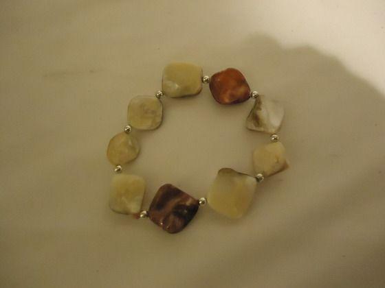 Beautiful Stretch stoned bracelet Free S $10.00