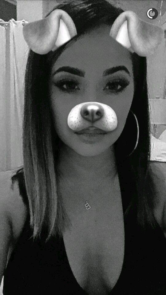 Becky se ha convertido de repente en un perro!!! Jajjajaja. Qué guapa