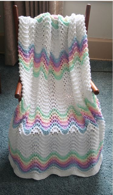 Fan And Feather Knitting Pattern For Baby Blanket : Beautiful Feather and Fan free pattern baby blanket ...