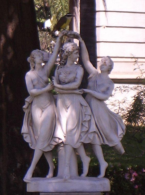 Bailemos nós já todas tres, ai amigas, / so aquestas avelaneiras frolidas / e quen fôr velida, como nós,velidas, / se amig'amar, / so aquestas avelaneiras frolidas / verrá bailar.  (Airas Nunes de Santiago, 1230-1289, Cantiga de amigo)