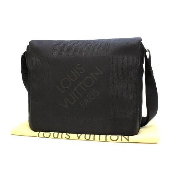 Louis Vuitton Messager Damier Geant Cross body bags Black Canvas M93032