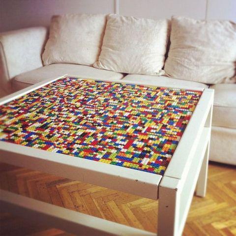 Tafel met glasplaat waar je LEGO onder legt