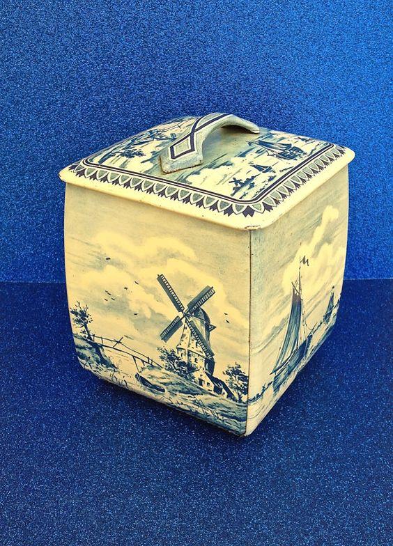 Vintage Delft Blue Tin Cookie Biscuit Box Lidded Dutch Royal Verkade Holland