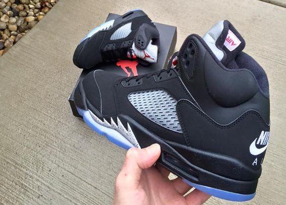 Air Jordan 5 Noir/Carolina en vente
