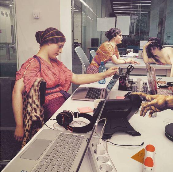 El aburrimiento hecho arte. ¿Cómo sería un tedioso día en la oficina? (Yosfot blog)