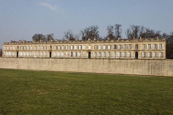 Château d'Enghien (à côté du château de Chantilly)